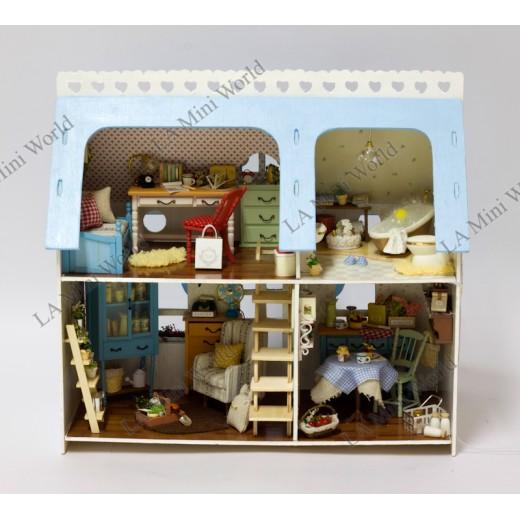 "DIY KIT: WOODEN DREAM DOLLHOUSE MINIATURE ""Lucky Home"""