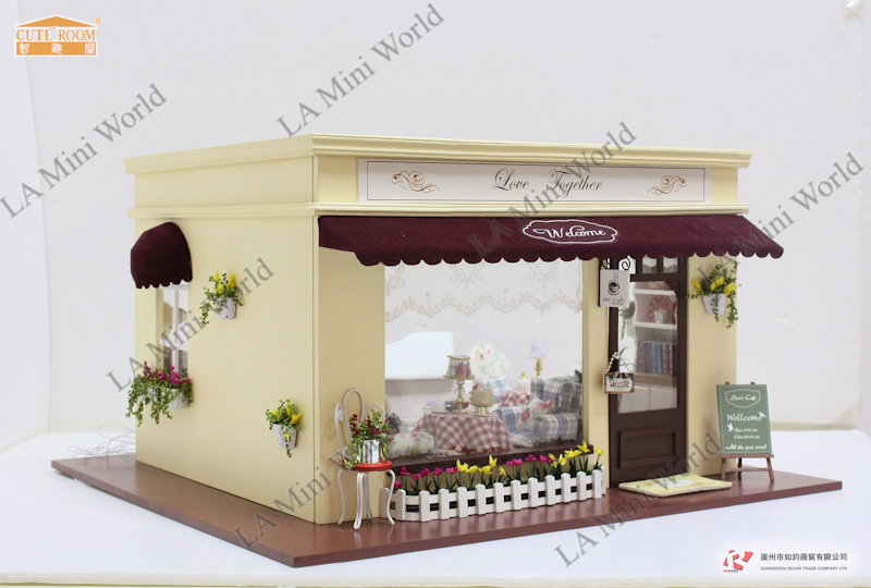 Dollhouse Miniature Of Store A 011 Love Together